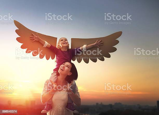 Mother and her child playing picture id598545374?b=1&k=6&m=598545374&s=612x612&h=8tc  ymyrndcifxs qa1z1pnqtot61 tvcvxf68tfkc=