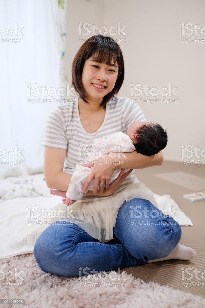 母親と新生児 ストックフォト