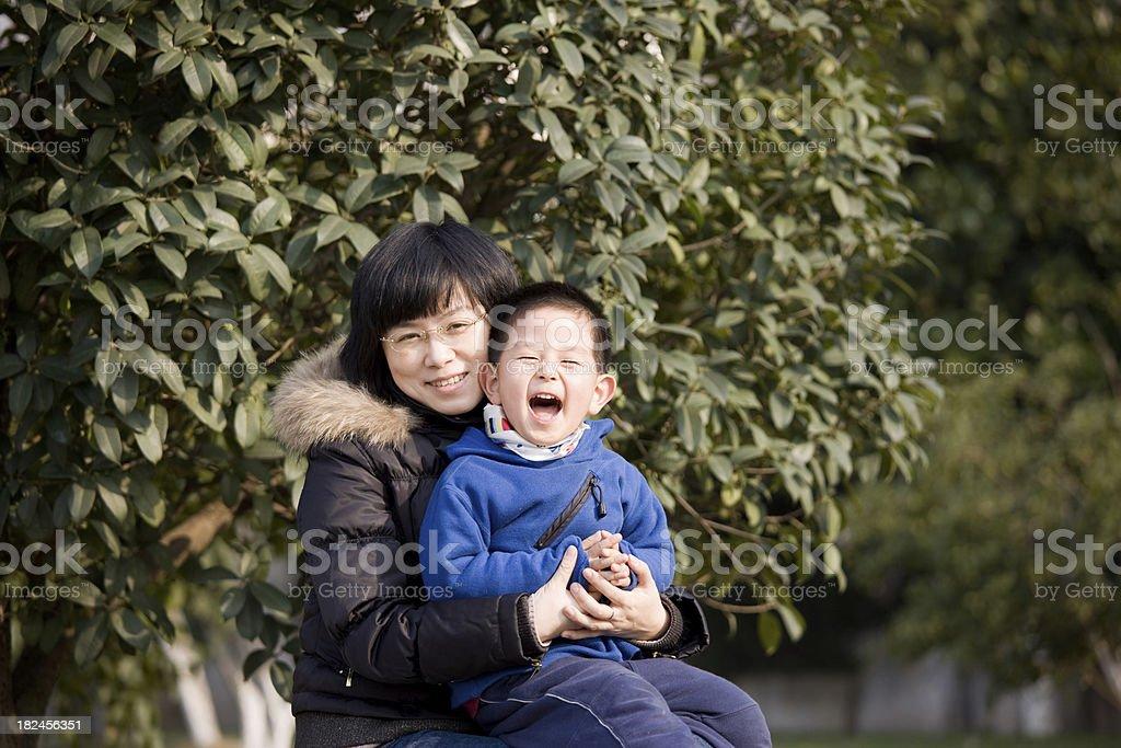 Madre e hijo foto de stock libre de derechos