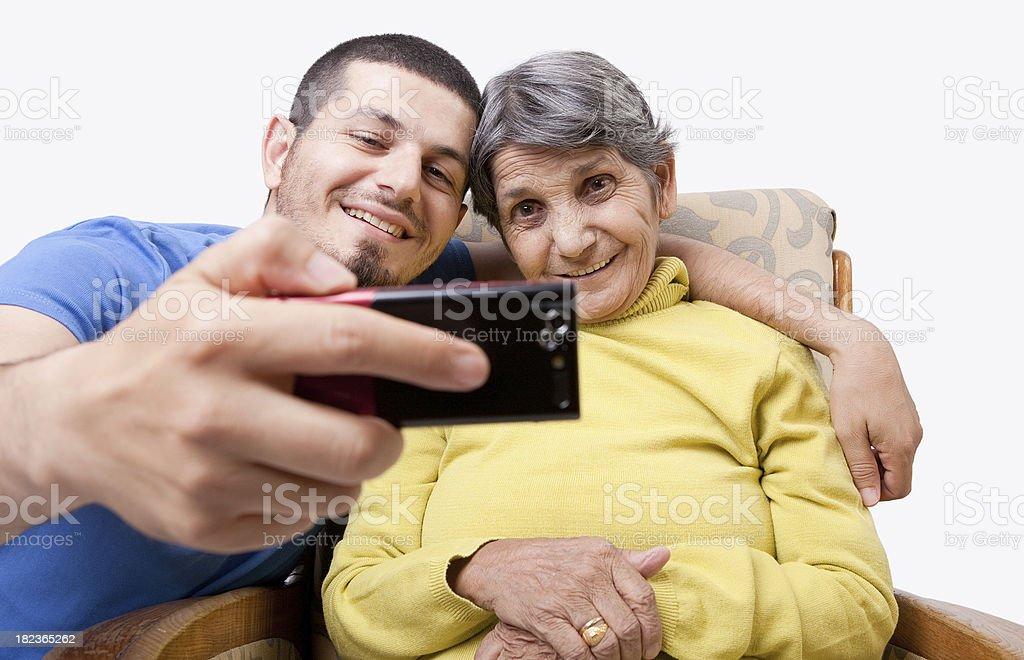 Mutter und Sohn mit self portrait – Foto