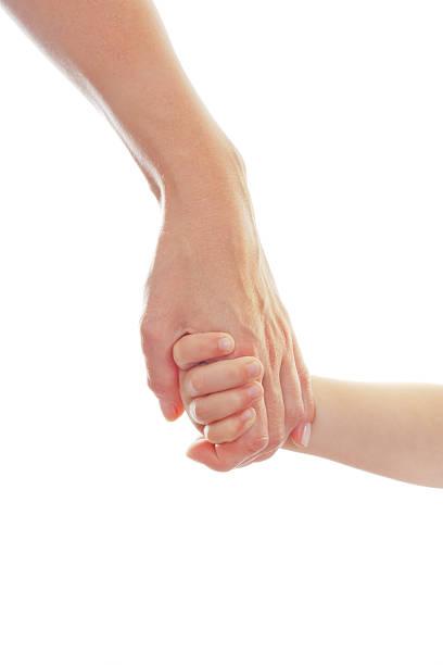 Mutter geben eine hand für Kinder – Foto