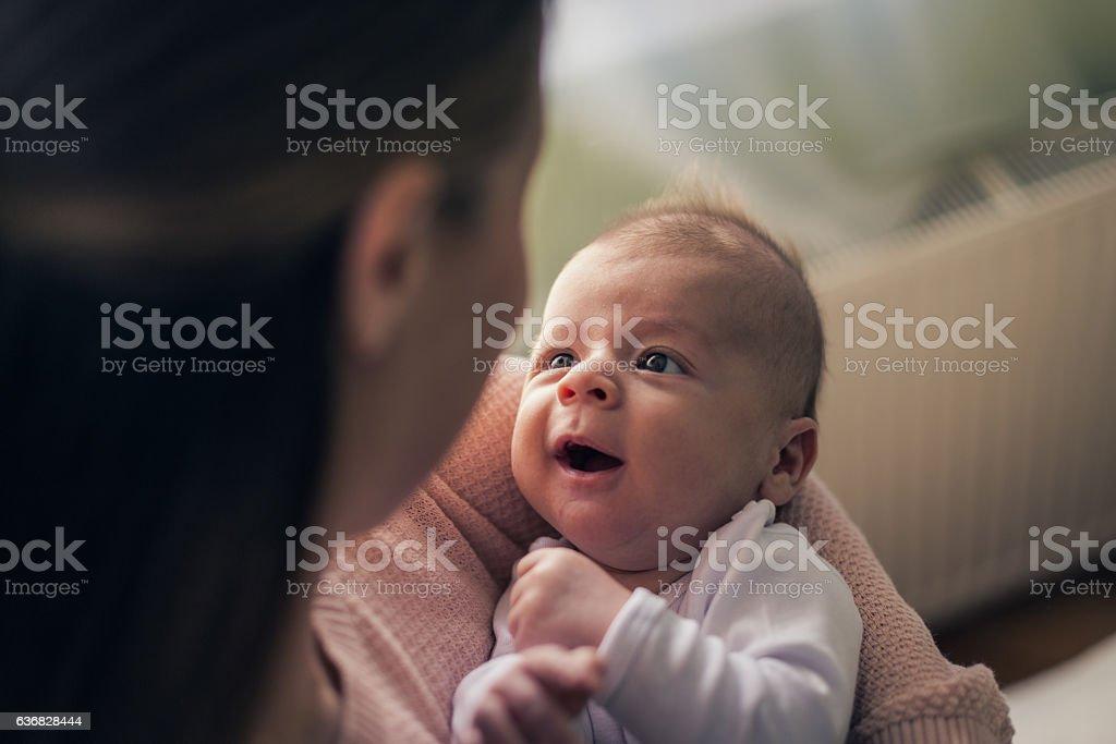Mère tenant son bébé garçon - Photo