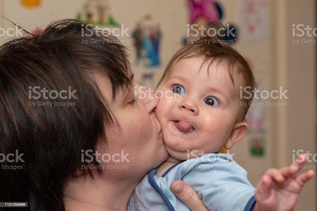 Küsst zunge mit mutter kind Darf ich