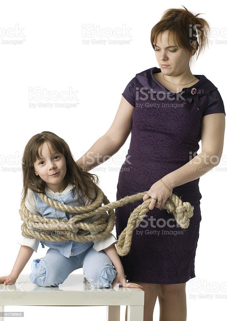 Mutter bestraft tochter