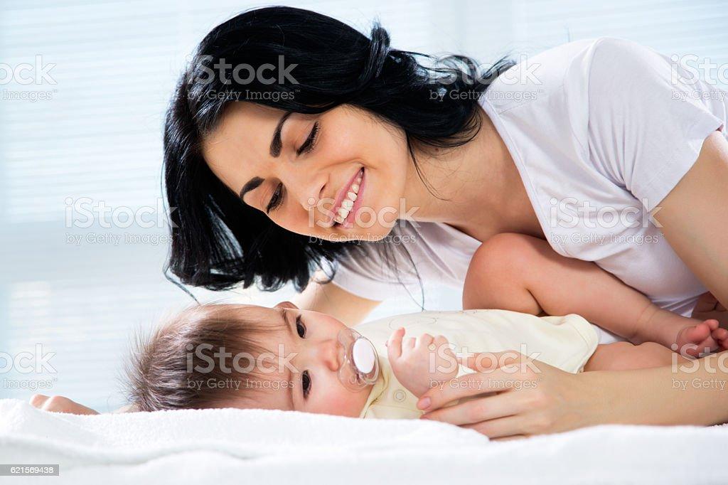 Mère avec bébé  photo libre de droits