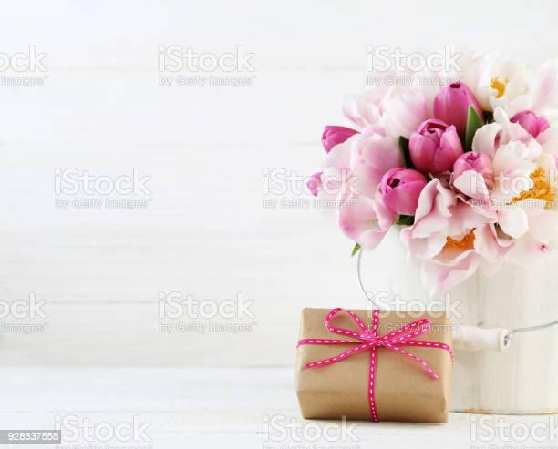 Mothers day arrangement picture id928337558?b=1&k=6&m=928337558&s=612x612&h=w2z26axgj c5vify 56ejyjkw91juxeazhpswdygcug=