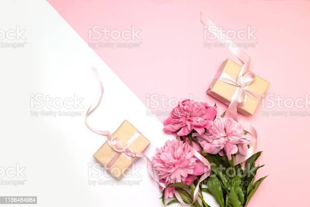 Mothers day festive concept of peonies and gifts on a white and pink picture id1156484984?b=1&k=6&m=1156484984&s=612x612&h=awjdd6jcp9r9gvyyf7tjuvjnssml3fb egakizhgntc=