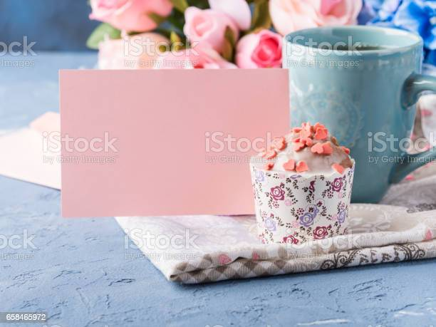 Mothers day valentine concept muffin cup tea paper note picture id658465972?b=1&k=6&m=658465972&s=612x612&h=ygkhpgrbx2colmybbqvhwczjg8nwhvif353 np4660u=