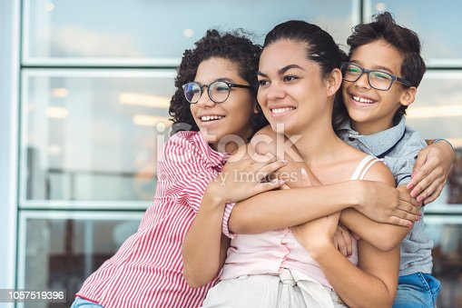 Smiling, People, Embracing, Facial Expression, Family