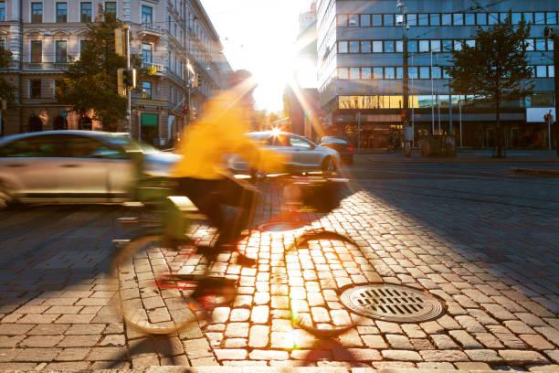 Bewegungsunschärfe von Menschen in der Stadt – Foto