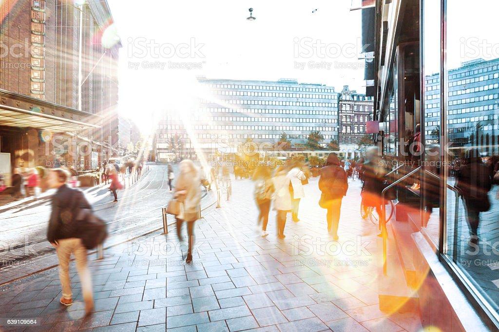 Bewegungsunschärfe von Menschen gehen im der Stadt Lizenzfreies stock-foto