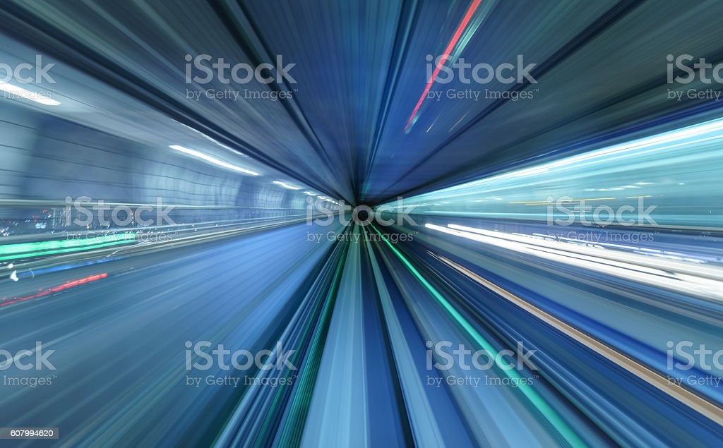 Motion blur der Zug bewegt sich in tunnel in Tokio, Japan – Foto