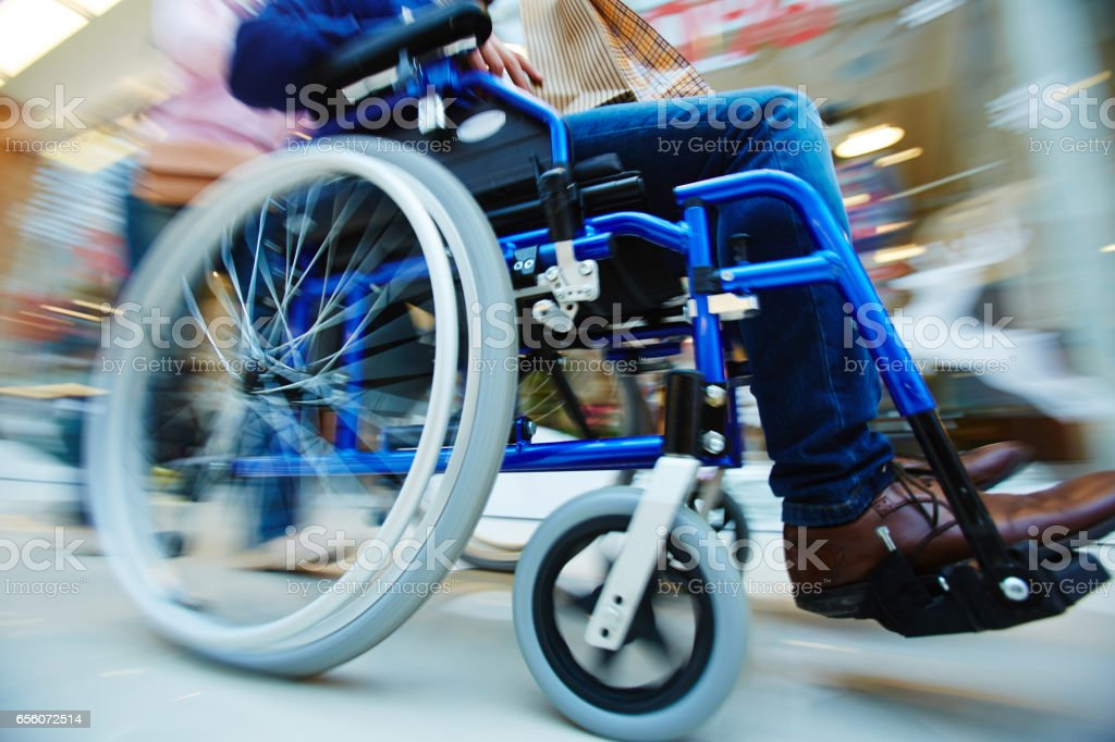 Motion in wheelchair – Foto