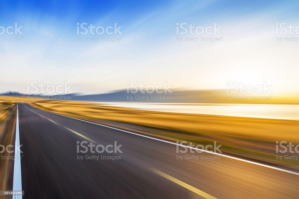 Bewegung-Straße am See – Foto