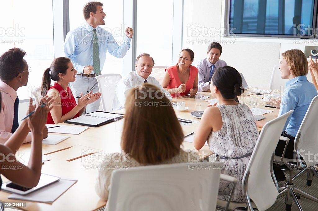 Foto De Motivacional Orador Falar De Empresários Em Sala De