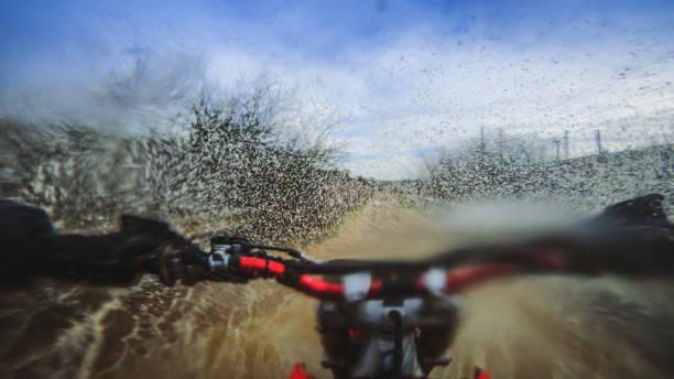 Motocross enduro moto CIRC. point de vue POV - Photo
