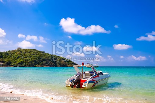 Koh Samet is an idyllic island about 200km south-east of Bangkok and around 6 km off the coast of Rayong province. Its beautiful beaches especially in the north-east of the island have been described as having the