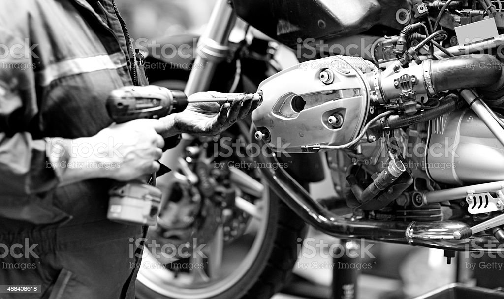 motorcycle mechanics