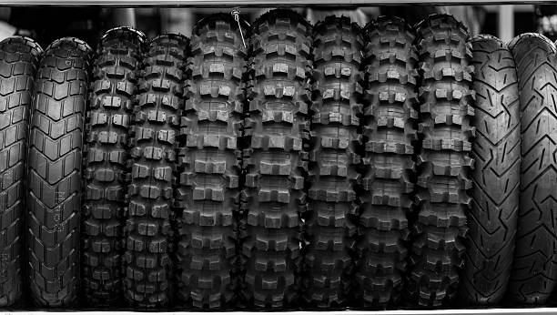 Motorcycle tires on rack store – Foto