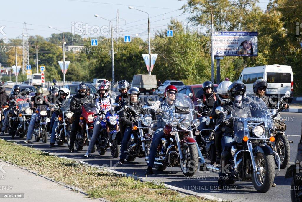 Motorradfahrer auf der Tagung widmet sich der Abschluss der Saison fahren. – Foto