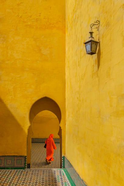moulay ismail mausoleum in marokko - türkische fliesen stock-fotos und bilder