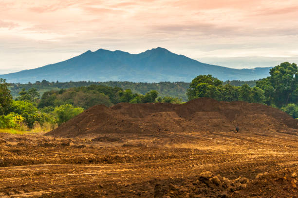 Mount Apo mountain as seen from Amakan, Buhangin District in Davao with shimmering clouds background Mount Apo mountain as seen from Amakan, Buhangin District in Davao with shimmering clouds background apothegm stock pictures, royalty-free photos & images