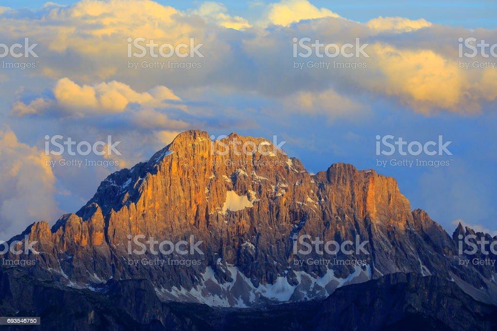 Mount Civetta from Idyllic Lagazuoi summit panorama, Cinque Torri Dolomites, pinnacles mountain range, dramatic and majestic Italy tirol alps - foto stock