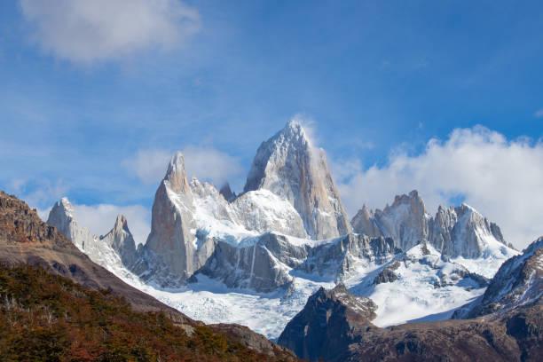 Mount Fitzroy von der Laguna Capri aus gesehen, Nationalpark der Gletscher, Argentinien – Foto