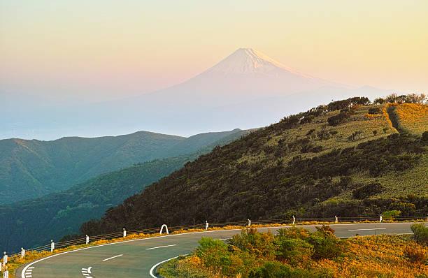 гора фудзи и идзу skyline в рано утром - плато стоковые фото и изображения