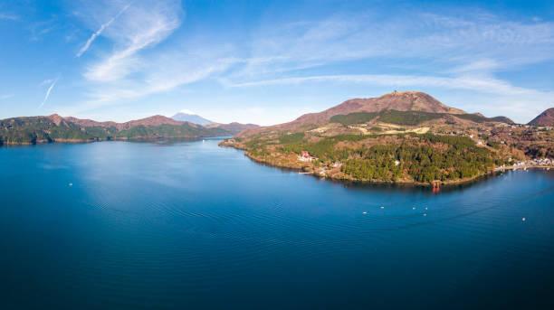 mount fuji and lake ashi.the shooting location is lake ashi, kanagawa prefecture japan.view from drone.-aerial photo. - prefektura kanagawa zdjęcia i obrazy z banku zdjęć
