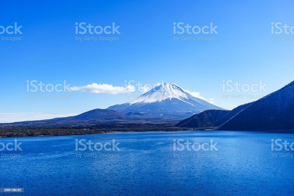 Mount Fuji and Lake Motosu-ko in Winter ストックフォト