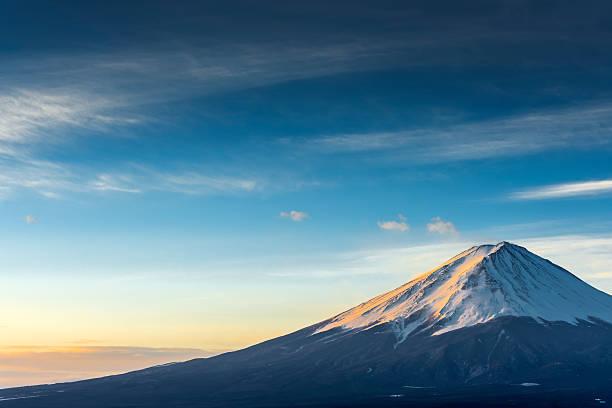 富士山順子湖で - 富士山 ストックフォトと画像