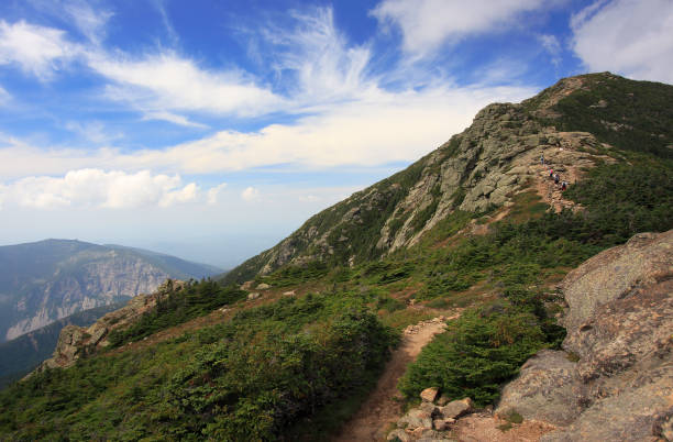 Mount Lincoln trail on Franconia Ridge Traverse in New Hampshire, USA Mount Lincoln trail on Franconia Ridge Traverse, Mount Lafayette area in New Hampshire, USA white mountains new hampshire stock pictures, royalty-free photos & images