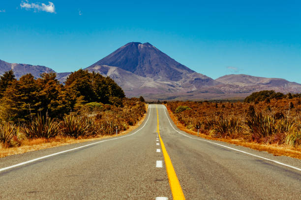 Mount Ngauruhoe New Zealand Looking at Mount Ngauruhoe. The active vulcano is based in the north isle of New Zealand at the Rangipo Desert. rotorua stock pictures, royalty-free photos & images