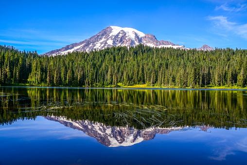 Mount Rainier And Reflection Lake Washingtonusa - zdjęcia stockowe i więcej obrazów Ameryka