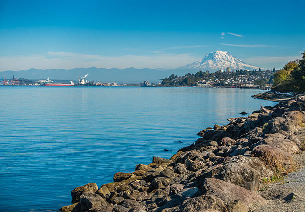 Mount Rainier From Ruston 4 A view of Mount Rainier from Ruston, Washington. tacoma stock pictures, royalty-free photos & images