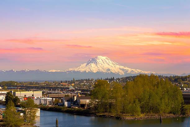 Mount Rainier from Tacoma Marina Mount Rainier from Tacoma Marina in Washington State at Sunset pierce county washington state stock pictures, royalty-free photos & images