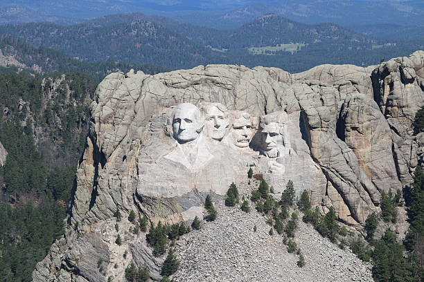 Mount Rushmore - Black Hills - South Dakota Historic monument. mount rushmore stock pictures, royalty-free photos & images