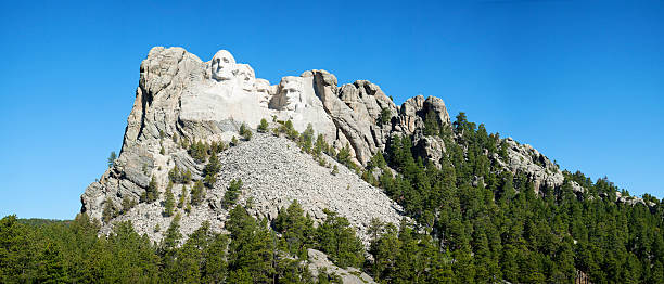 Mount Rushmore monument in South Dakota Mount Rushmore monument in South Dakota in the morning mount rushmore stock pictures, royalty-free photos & images