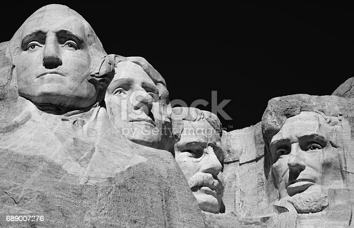 1195382882istockphoto Mount Rushmore National Monument 689007276