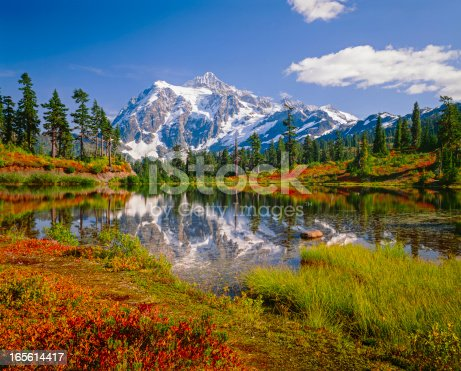 North Cascades National Park, Mt. Shuksan and Picture Lake in the fall