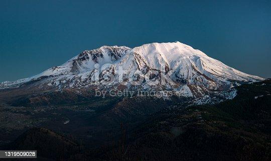 istock Mount St. Helens 1319509028