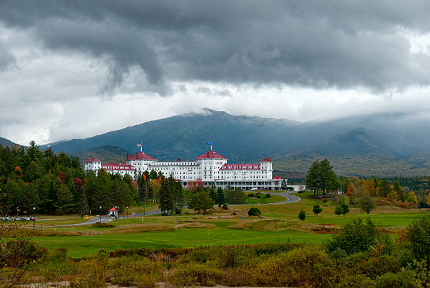 Mount Washington hotel The Mount Washington Hotel is a National Historic Landmark opened in 1902 where the Bretton Woods accord was signed after world war two mount washington new hampshire stock pictures, royalty-free photos & images