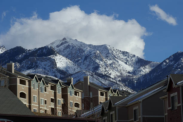 mountain above condos - mikefahl stock pictures, royalty-free photos & images
