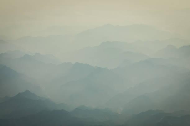 berg und meer der wolken - bilder landschaften stock-fotos und bilder