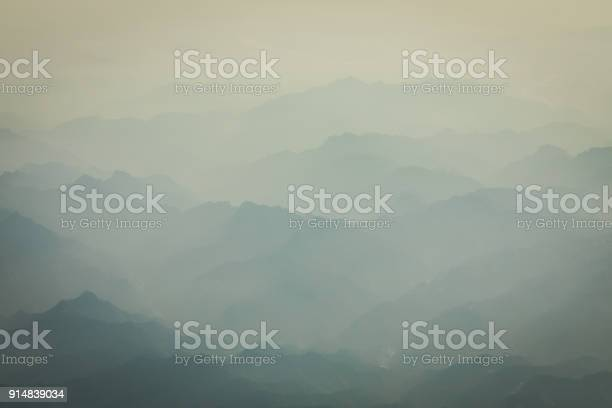Photo of mountain and sea of clouds