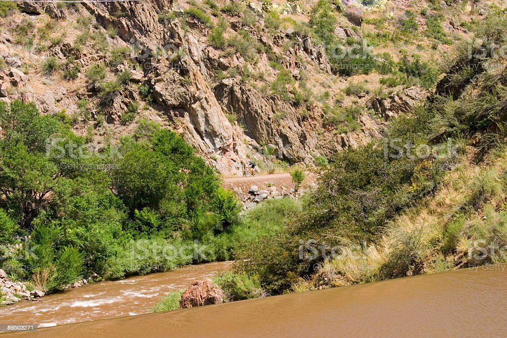 Mountain Bike Riders di Waterton Canyon in Colorado foto stock royalty-free