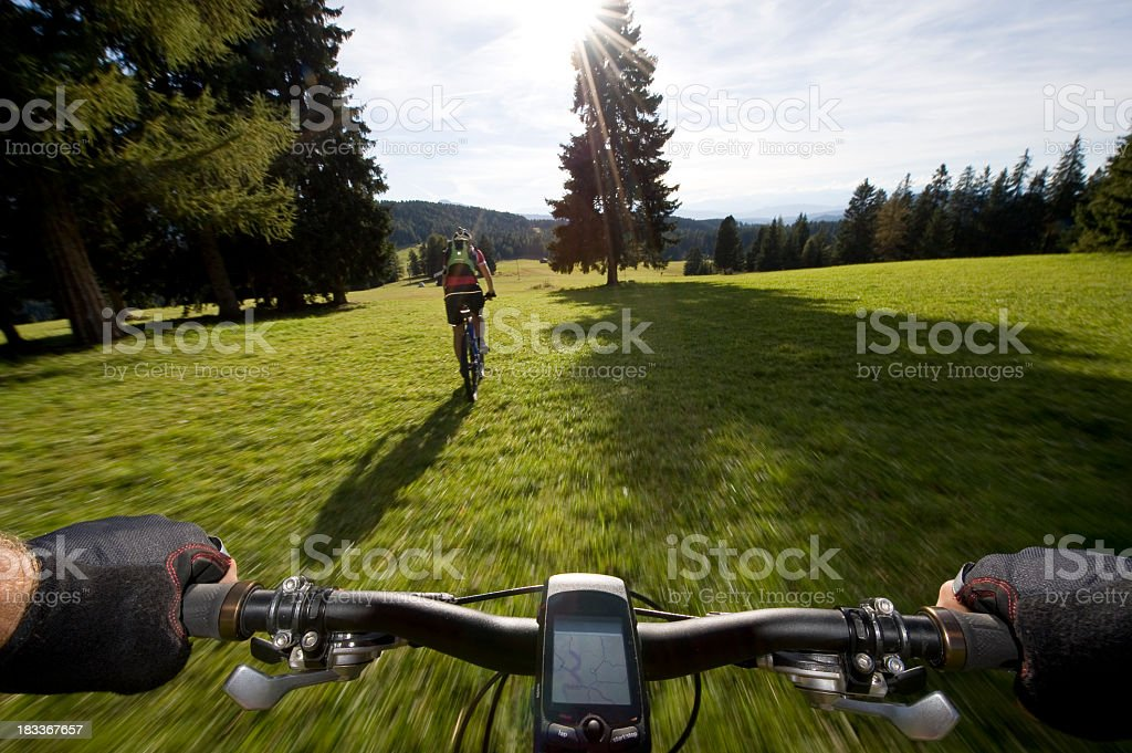 Mountainbiker, mit Navigationssystem – Foto