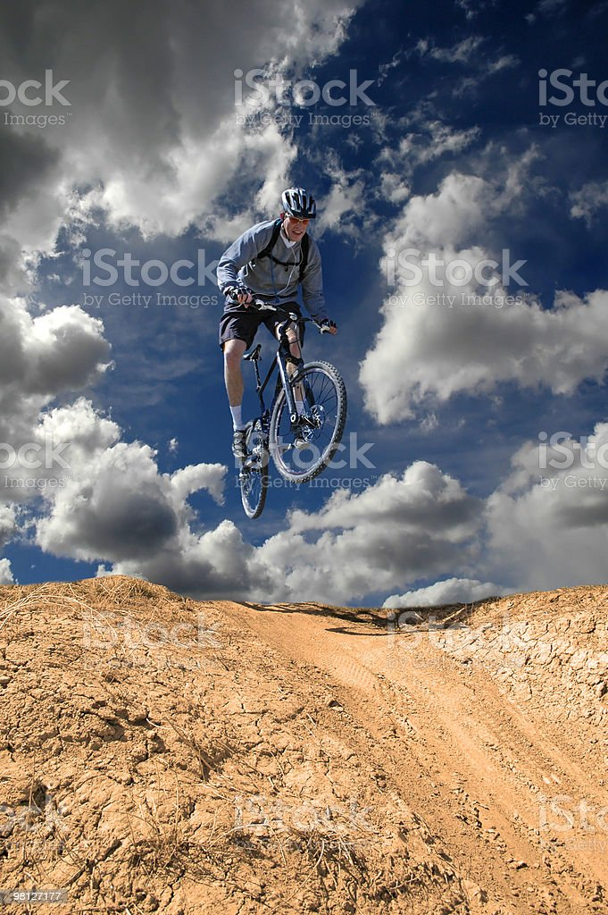 Andare in Mountain bike foto stock royalty-free