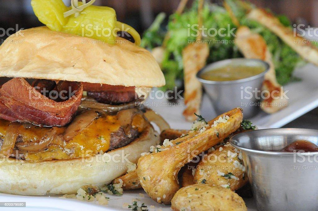 Mountain Burger Full zbiór zdjęć royalty-free